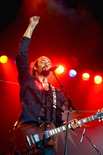 Michael Franti And Spearhead Live Photos